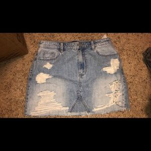 Hollister ripped skirt size 9 brand new with tags